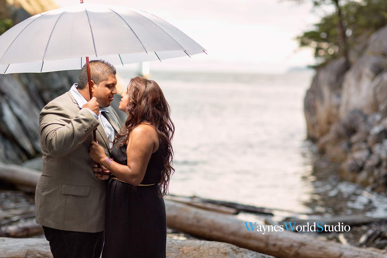 photo Whytecliff Park Engagement Portrait_Photography