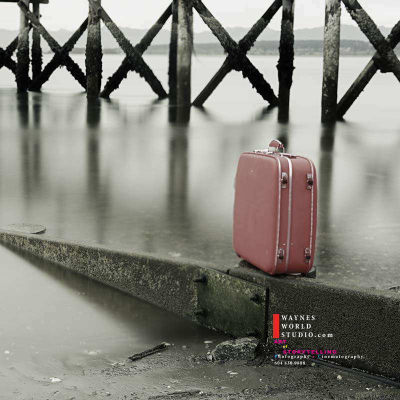 Vancouver-photographer-red-luggage-story
